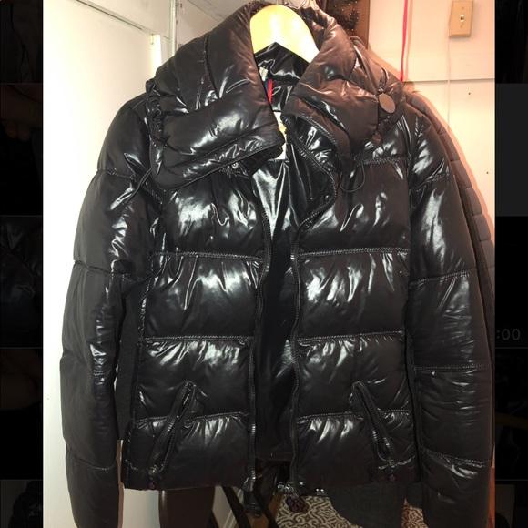 8b53b5689 100% authentic Moncler Alison puffer jacket